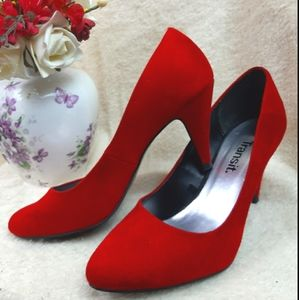 NWOT💥HOST PICK 🔥🔥heels stilettos red hot!